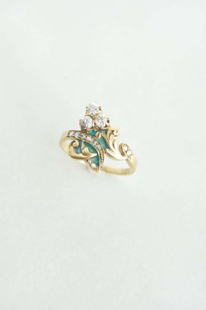 Art Nouveau Diamond and Gold Ring