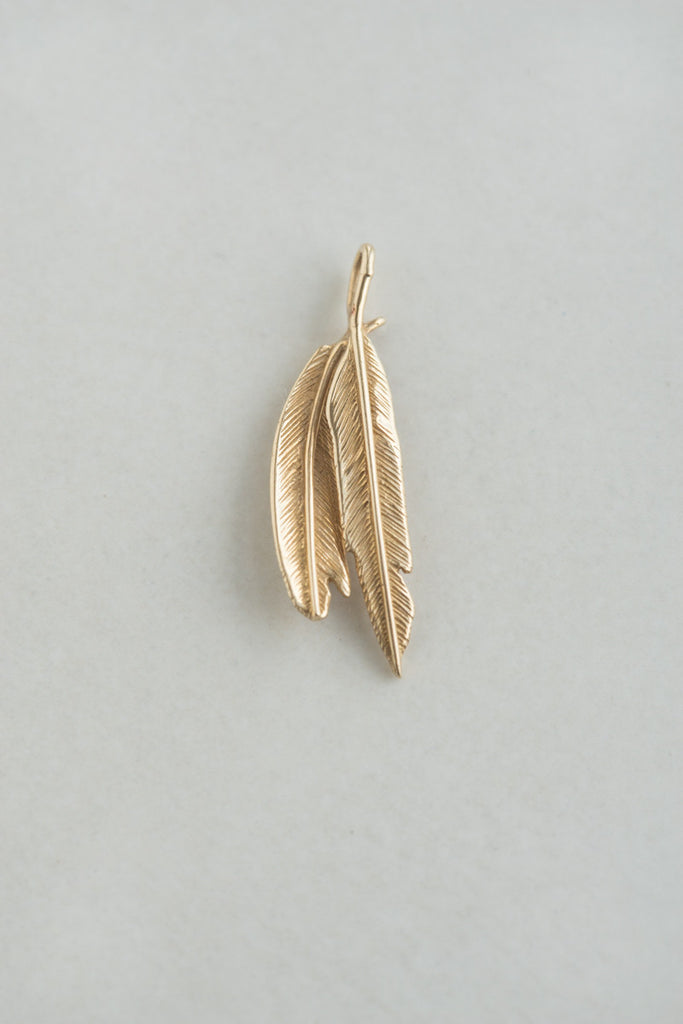 14k Gold Dual Feather Pendant