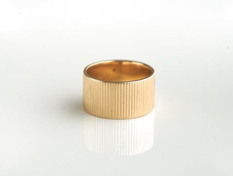 Vintage 14k Gold Ribbed Band