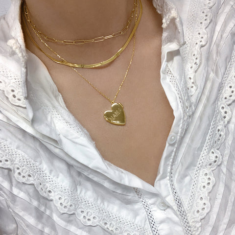 Engraved MAMA Heart Locket gold