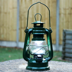 Retro LED Hurricane Lantern, Battery Powered Metal Garden Lamp, Green
