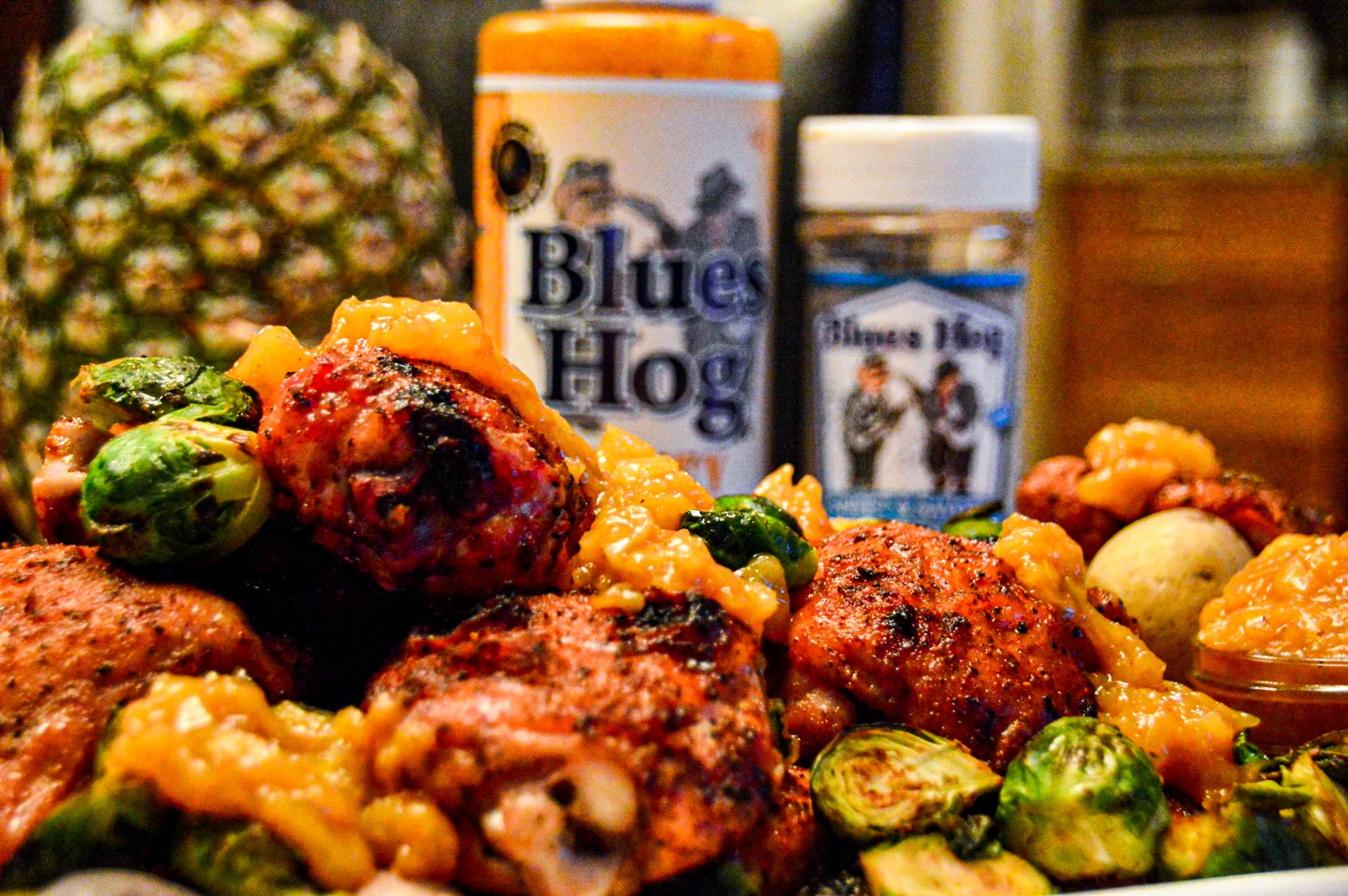 Chicken thigh platter with honey mustard squeeze and sweet & savory shaker