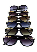 Load image into Gallery viewer, Crystal detail sunglasses  - The Peach Mimosa