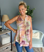 Load image into Gallery viewer, Daisy Tie Dye Top