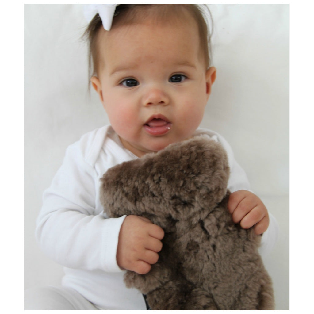 FLATOUT Sheepskin Bear - Baby Chocolate - UrbanBaby shop