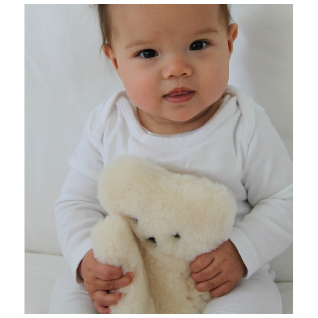 FLATOUT Sheepskin Bear - Baby Milk - UrbanBaby shop