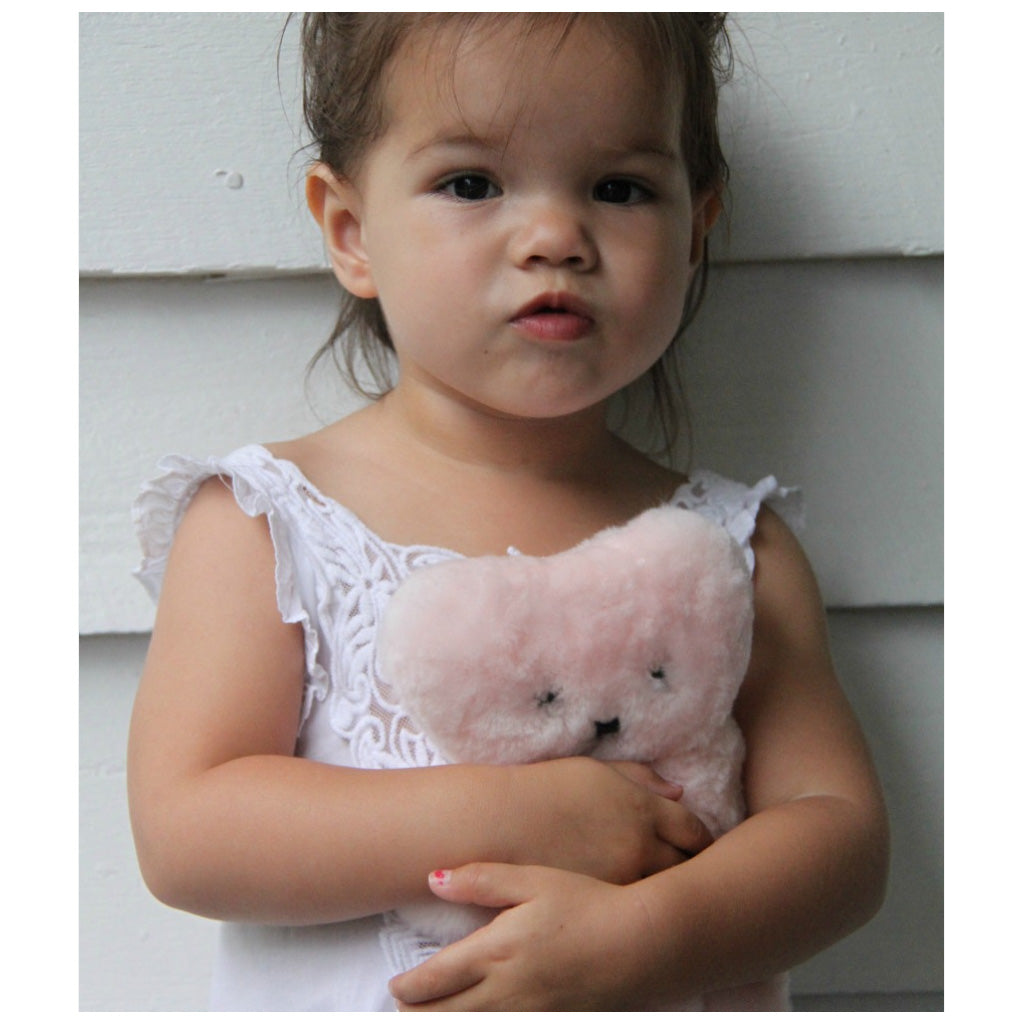 FLATOUT Sheepskin Bear - Baby Pink - UrbanBaby shop