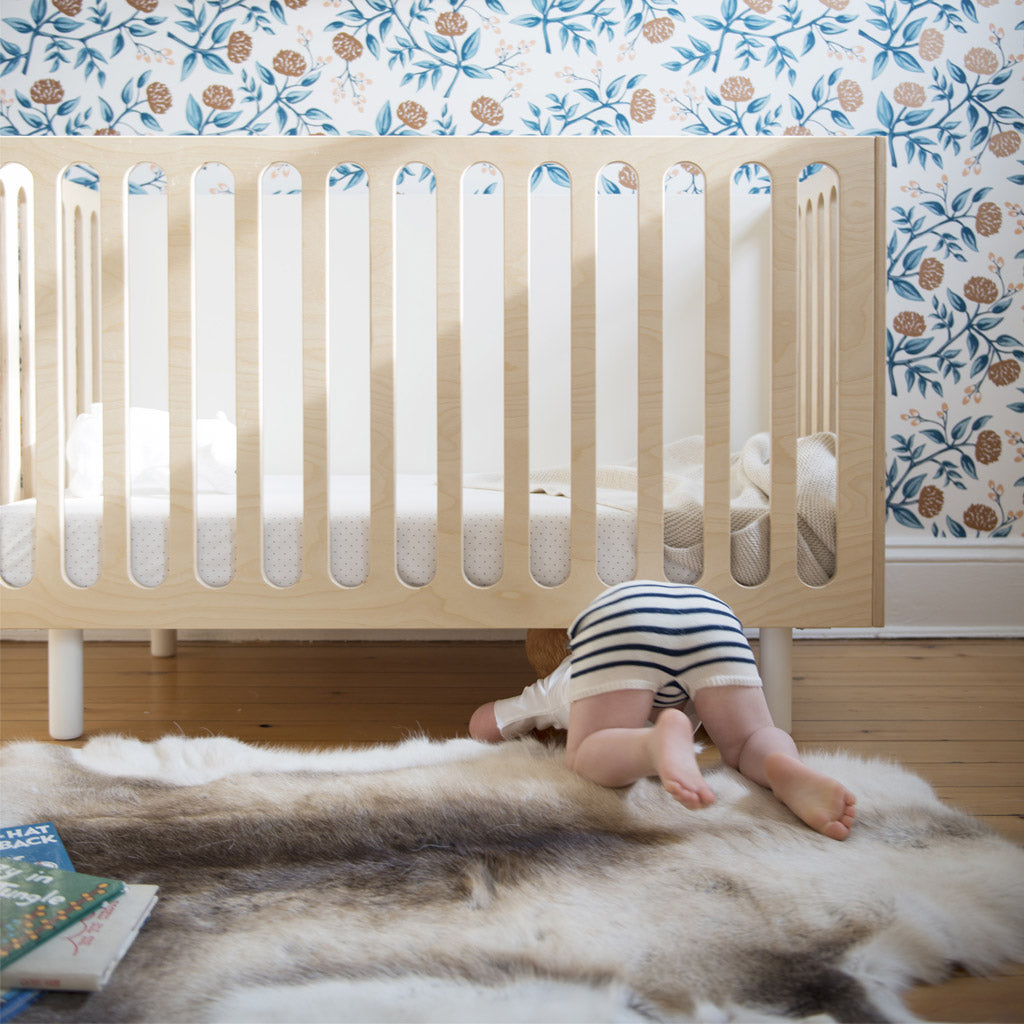 Oeuf Fawn Bassinet and Cot - Birch - UrbanBaby shop