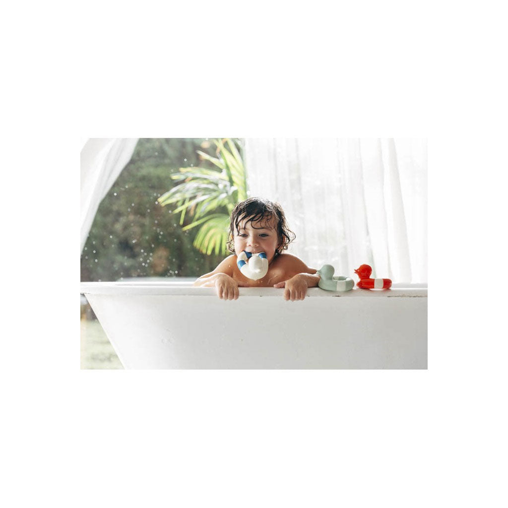 Oli & Carol Natural Rubber Floaty Navy - UrbanBaby shop