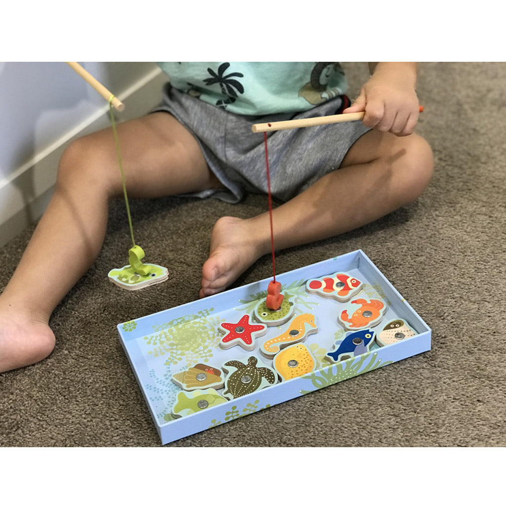 Djeco Magnetics Shark Fishing Game - UrbanBaby shop