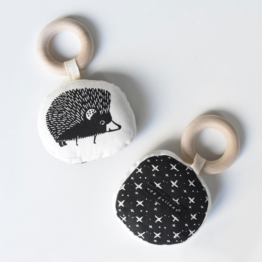 Wee Gallery Organic Teether Hedgehog - UrbanBaby shop