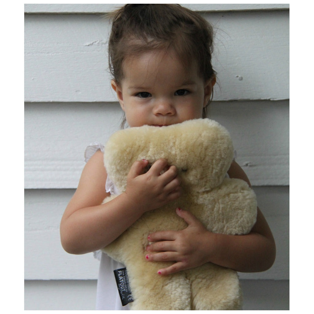 FLATOUT Sheepskin Bear Honey - UrbanBaby shop