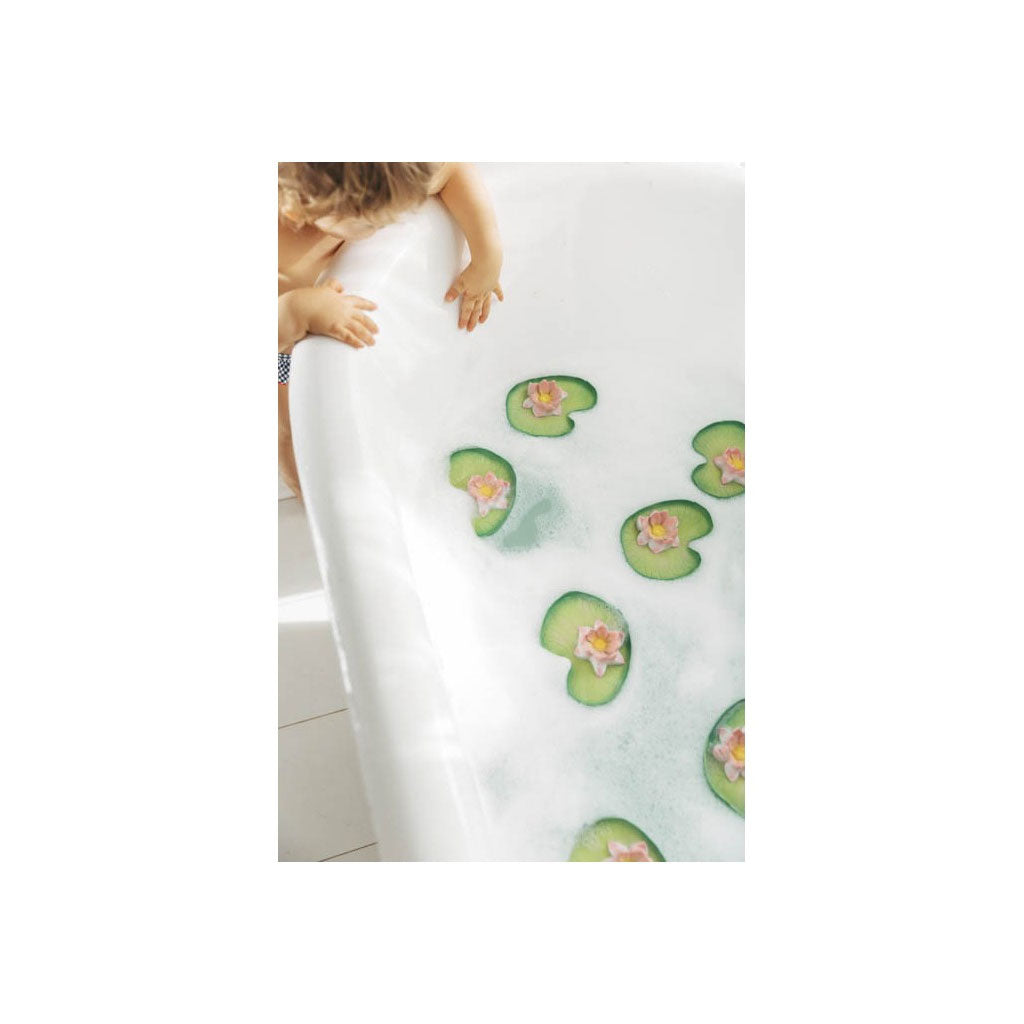 Oli & Carol Floatie Water Lily - UrbanBaby shop