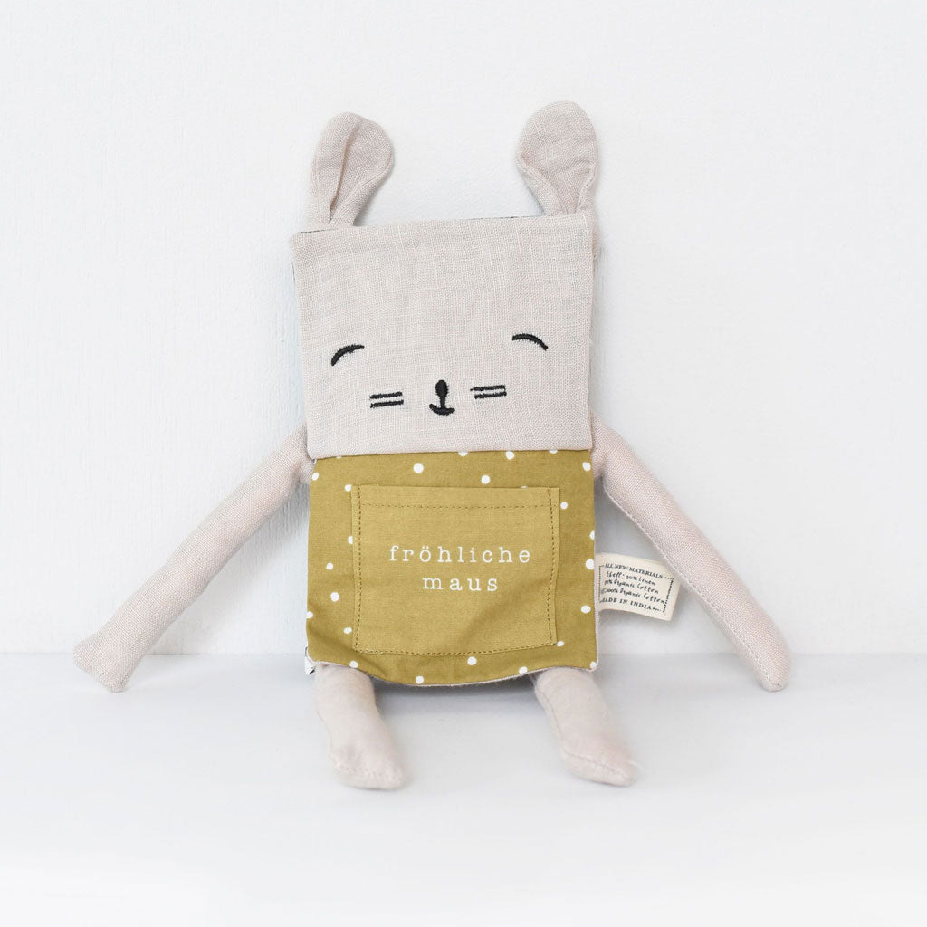 Wee Gallery Organic Flippy Friend Mouse (German) - UrbanBaby shop