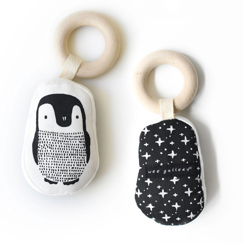 Wee Gallery Organic Teether Penguin - UrbanBaby shop