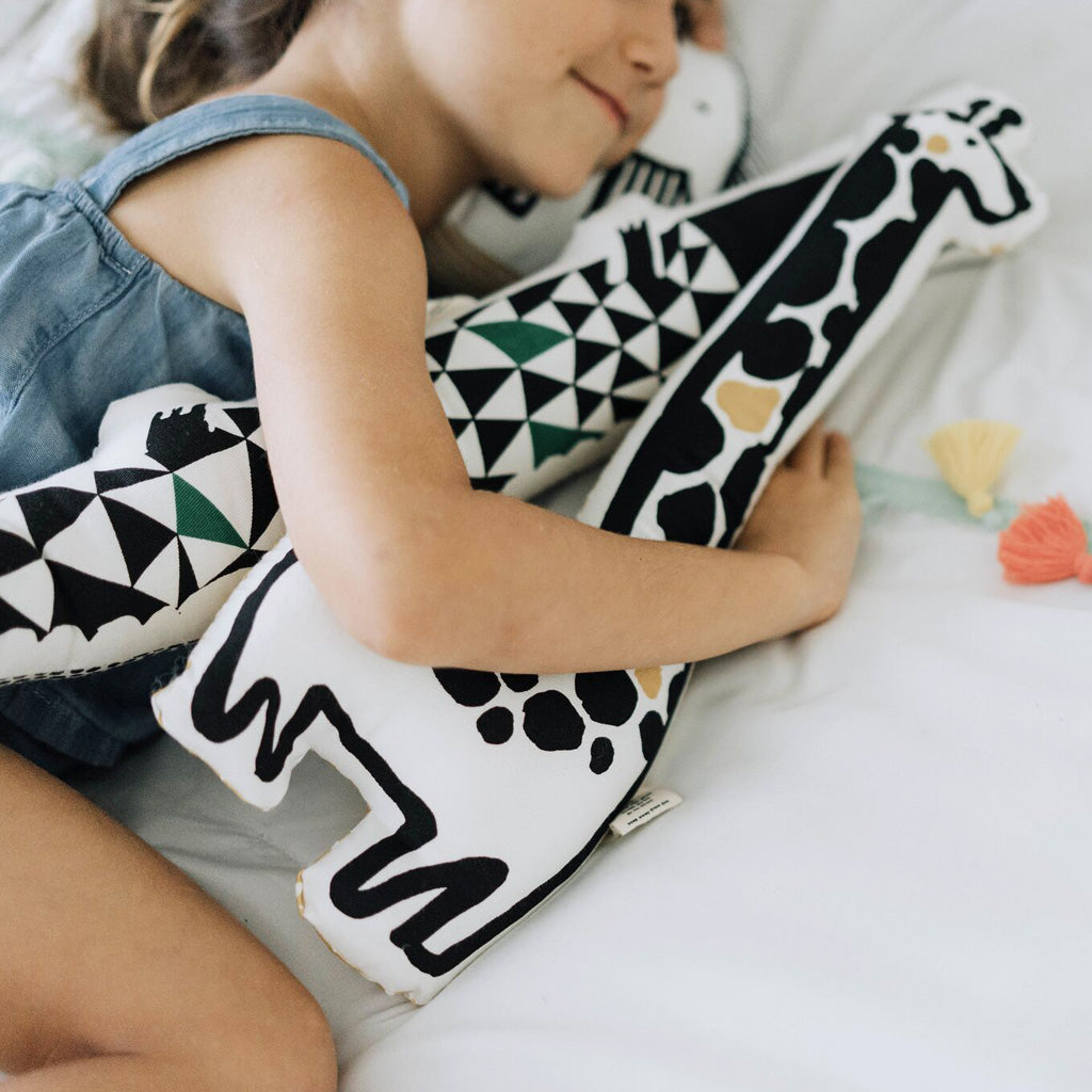 Wee Gallery Organic Throw Pillow Tiger - UrbanBaby shop