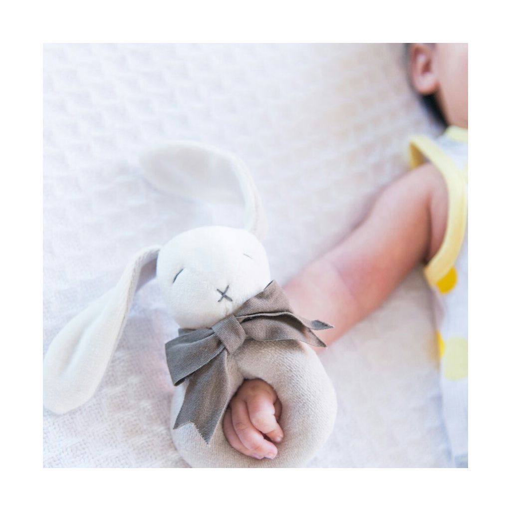 Maud n Lil Organic Cotton Ring Rattle - UrbanBaby shop