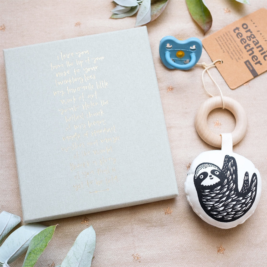 Wee Gallery Organic Teether Sloth - UrbanBaby shop