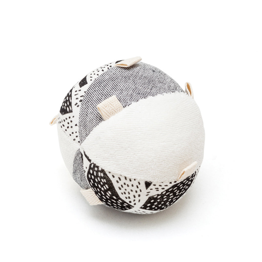 Wee Gallery Organic Sensory Taggy Ball with Rattle - UrbanBaby shop