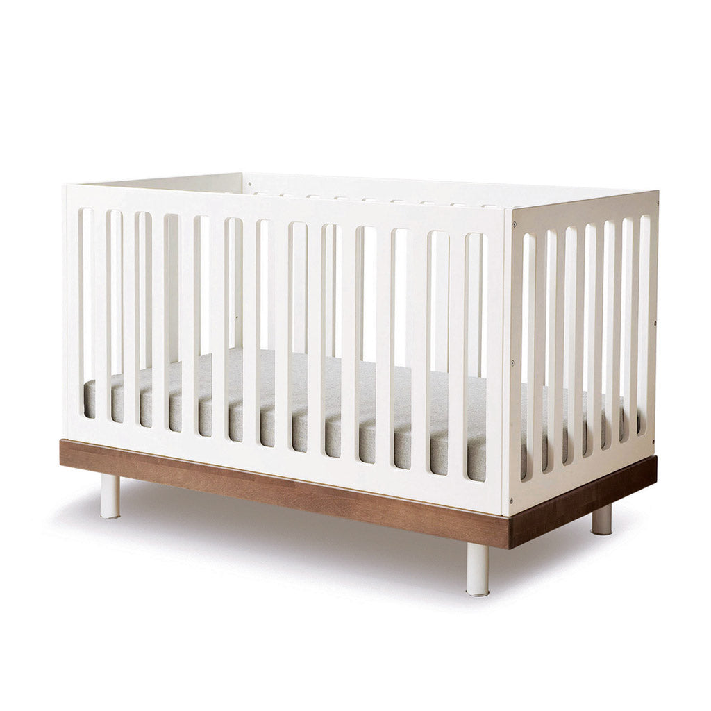 Oeuf Classic Cot - White w Walnut - UrbanBaby shop