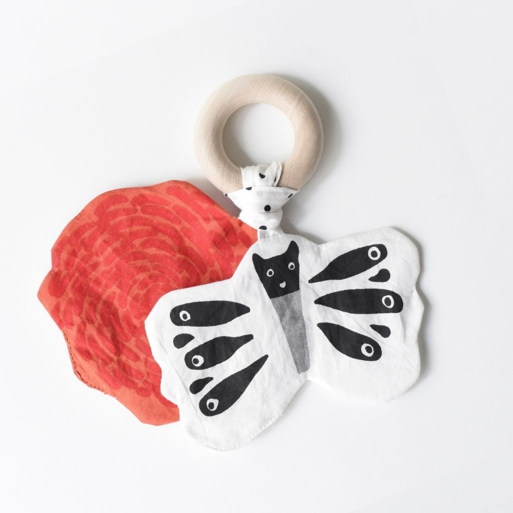 Wee Gallery Crinkle Teether - Butterfly - UrbanBaby shop