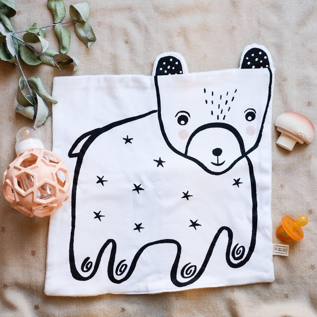 Wee Gallery Organic Snuggle Blanket - Bear - UrbanBaby shop