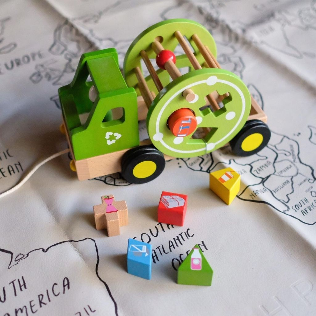 EverEarth Wooden Pull Along Recycling Truck - UrbanBaby shop
