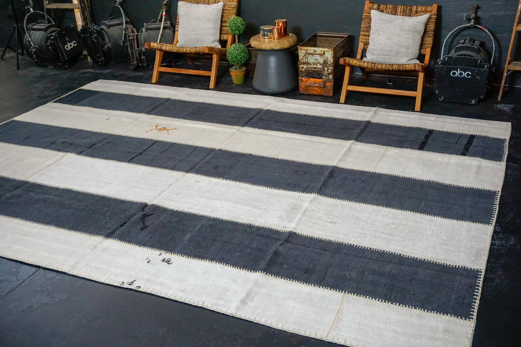 8'11 x 12'2 MCM Vintage Organic Hemp Rug Black and  Off White Flatweave Kilim