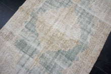 Load image into Gallery viewer, 6' x 9'4 Oushak Rug Beige & Clay Green