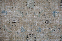 Load image into Gallery viewer, 9'10 x 13'7 Classic Vintage Mahal Carpet Beige, Green + Indigo 60's Carpet