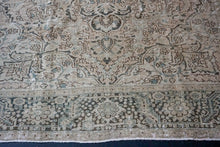 Load image into Gallery viewer, 9'4 x 13' Classic Vintage Heriz Carpet Muted Gray, Beige + Green 60's Carpet