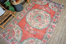 Load image into Gallery viewer, 5' x 8'9 Vintage Turkish Bessarabian  Rose Carpet Muted Reds, Green and Beige