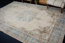 Load image into Gallery viewer, 6'9 x 10'2 Vintage Oushak Rug Beige & Turquoise Blue Carpet