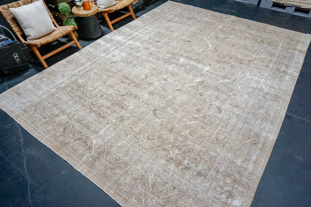 6'11 x 10'9 Vintage Oushak Rug Pink, Cream & Blue Carpet