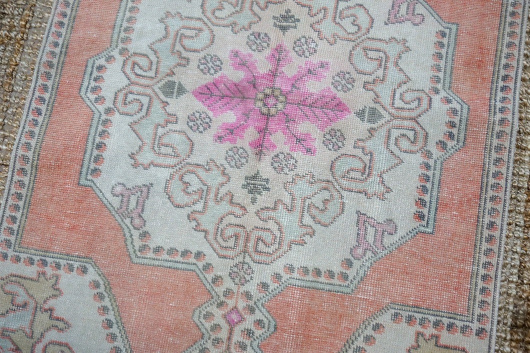 8' x 11'7 Vintage Oushak Rug Cream & Sea Foam Green Carpet