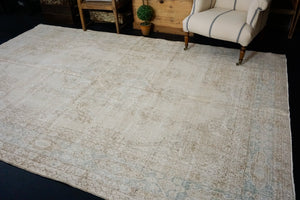 6'10  x 11' Vintage Oushak Rug Cream & Sea Foam Green Carpet