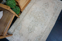 Load image into Gallery viewer, 3'3 x 6'3 Vintage Turkish Oushak Rug Beige and Seafoam