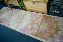 Load image into Gallery viewer, 2'11 x 9'3 Vintage Herki Runner Muted Pink & Camel