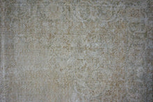 Load image into Gallery viewer, 7'2 x 10'2 Vintage Oushak Rug Muted Beige and Green Carpet