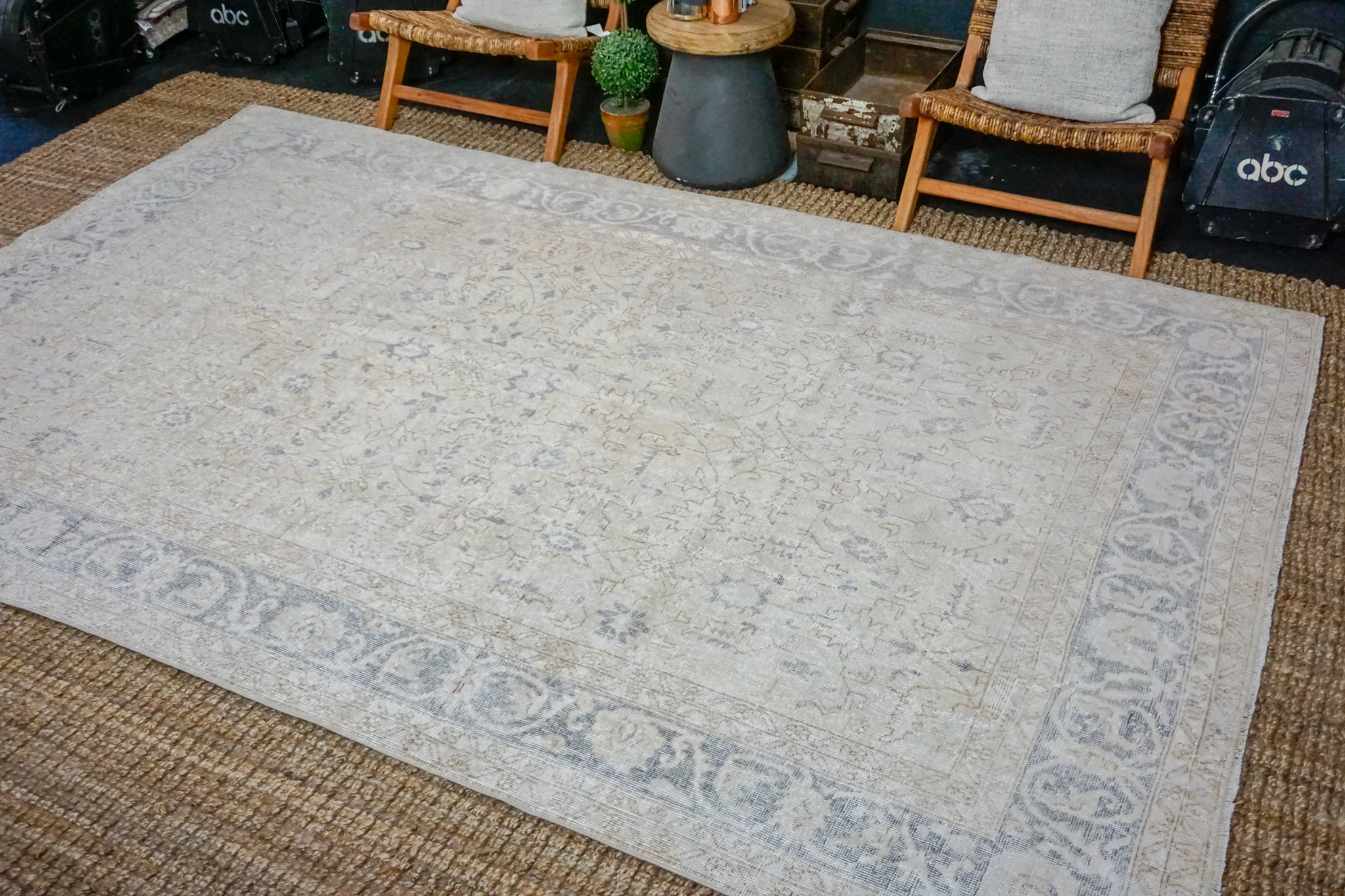 6'9 x 10'5 Vintage Oushak Rug Muted Eggplant and Beige Carpet