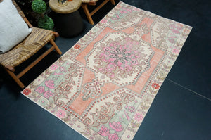 Sold 5/12*8 x 10'11 Antique Mahal Carpet Cream & Blue