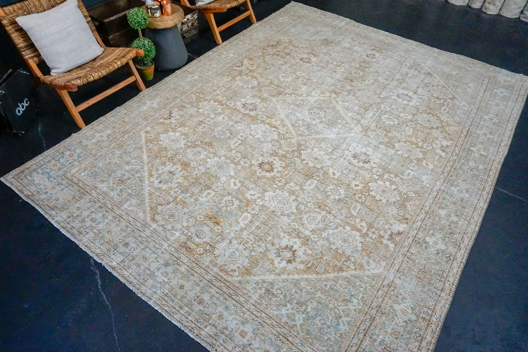 8'10 x 12'2 Classic Vintage Rug Muted Gray, Copper & Beige Carpet