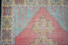 Load image into Gallery viewer, 4'5 x 9' Vintage Turkish Oushak Rug Coral, Aqua and Melon