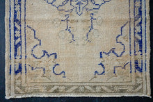 Load image into Gallery viewer, 2'7 x 11'6 Vintage Turkish Runner Muted Beige and Navy Blue