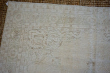 Load image into Gallery viewer, 7'4 x 10'6 Vintage Oushak Rug Muted Beige & Sea Foam Green Carpet