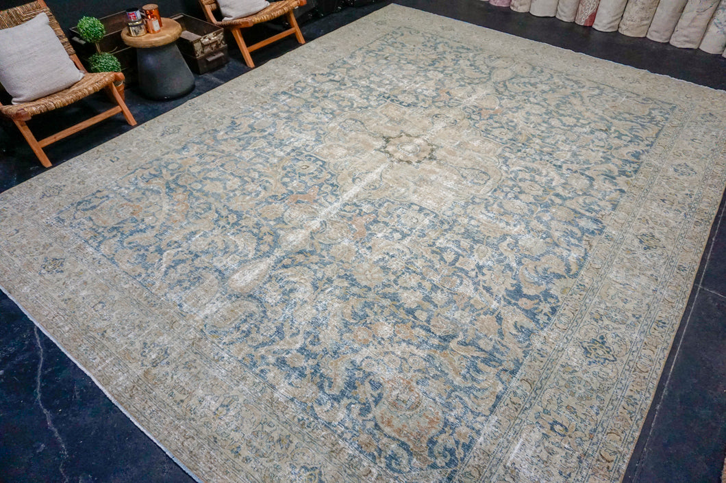11' x 14'1 Classic Vintage Rug Denim Blue + Sage 60's Carpet