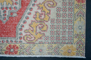 4'1 x 6'8 Oushak Rug Pale Red, Yellow & Gray