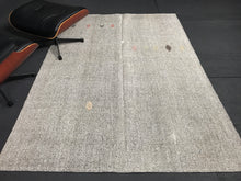 Load image into Gallery viewer, 5 x 7 MCM Turkish Kilim Cream & Black Tweed Rug