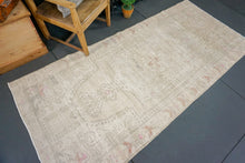 Load image into Gallery viewer, 3'9 x 8'4 Oushak Rug Distressed Muted Taupe, Gray, Blush + Pink