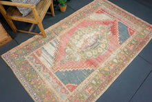 Load image into Gallery viewer, 4'5 x 7'7 Oushak Rug Faded Red and Green